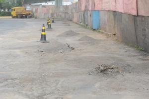 Trabalhos são para cobrir buracos na pista de rolamento  Crédito: Tarsila Pereira