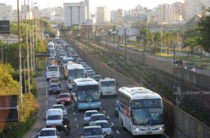 Projeto de lei altera o nome da Castelo Branco para avenida da Legalidade  Crédito: Mauro Schaefer / CP Memória