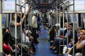 Novos trens possuem quatro vagões com ar-condicionado  Crédito: André Ávila
