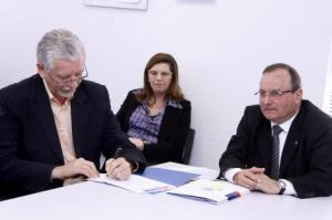 Foram firmados termos de cooperação para três obras de mobilidade Foto: Evandro Oliveira/PMPA