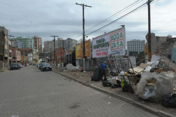 Empresários pressionam prefeitura por melhorias na Voluntários  Crédito: Ricardo Giusti