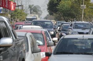 Seguradoras advertem que a cada 100 carros, 1,5% é alvo de ataques na Capital | Foto: Vinicius Roratto / CP Memória