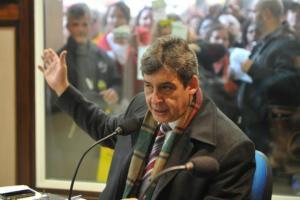 Sebastião Melo sanciona lei dos contadores públicos em boates  Crédito: Paulo Nunes / CP Memória