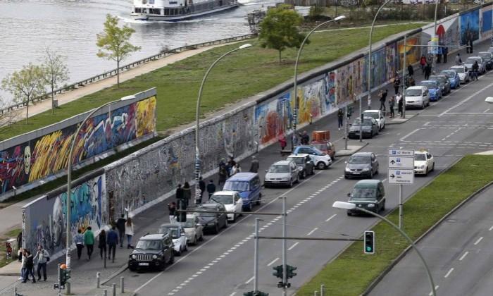 Vista de uma parte do que restou do Muro de Berlim hoje - REUTERS 21-10-2014