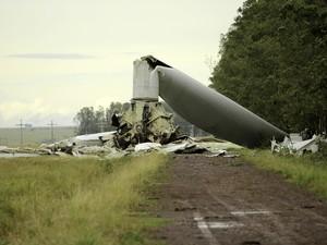 Vento derrubou torres de energia eólica em Santana do Livramento (Foto: Fabian Ribeiro/ Raw Image /Estadão Conteúdo)