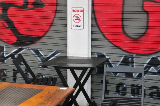 Smic tem orientado bares sobre nova lei antifumo   Foto: André Ávila