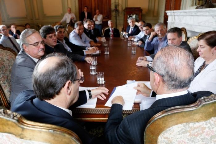 Ministro da Secretaria de Aviação Civil, Eliseu Padilha se reuniu com o governador Sartori para discutir asconcessões|Foto:Luiz Chaves/Palácio Piratini