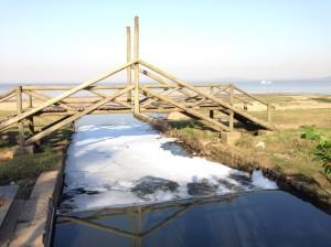 poluição na foz do Arroio Cavalhada