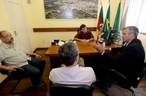 Pinheiro (d) esteve em São Leopoldo. Foto: Ederson Nunes