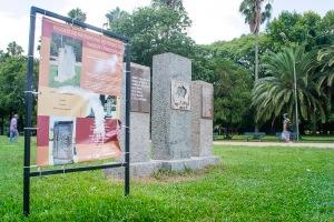 Monumento que comemora o combate à Intentona Comunista foi quebrado e pintado   Foto: Alina Souza/Sul21