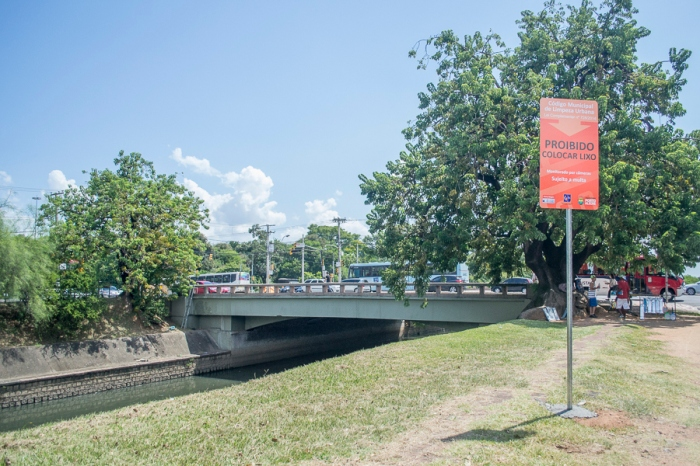 Também foram instaladas placas de sinalização em pontos do Dilúvio onde normalmente é depositado lixo|Alina Souza/Sul21