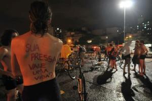 Massa Crítica protesta contra demora no julgamento do Ricardo Neis, suspeito de atropelar 11 pessoas | Foto: Ricardo Giusti