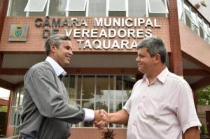 Presidente Mauro Pinheiro (e) visitou os 33 municípios.  Foto: Elson Sempé Pedroso