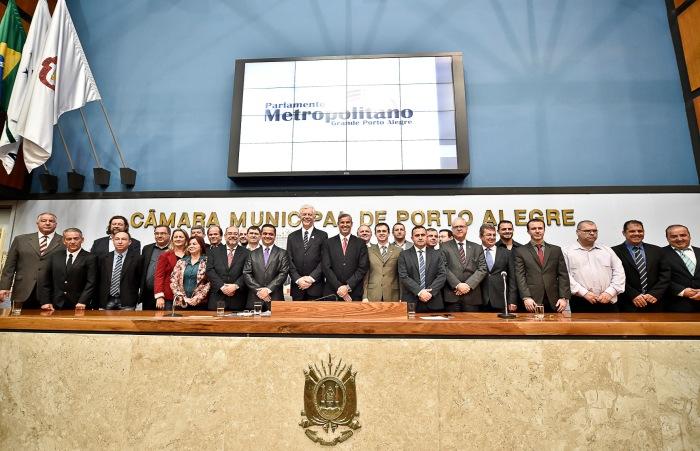 Ato de criação do Parlamento Metropolitano foi hoje na Câmara de Porto Alegre.  Foto: Elson Sempé Pedroso