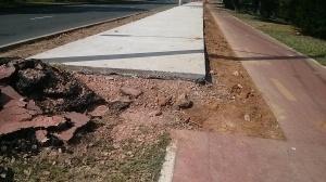 Ciclovia da Ipiranga, junto ao parque Marinha do Brasil está sendo parcialmente destruída. Foto: Thierry Claas