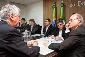 Prefeito José Fortunati pediu ao Secretário da Segurança, Wantuir Jacini, pediu, nesta sexta, ações para conter a violência na Capital |Foto:Luciano Lanes/PMPA
