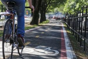 Uma das mais novas ciclovias é a da Erico Veríssimo, entre a Avenida Ipiranga até a Praça Garibaldi, na Cidade Baixa|Foto: Guilherme Santos/Sul21