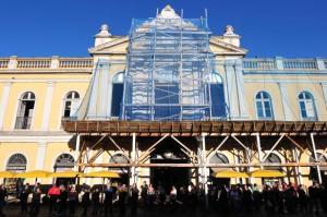 Dificuldades com fornecedor de telhas diminuiu ritmo de trabalho de restauração | Foto: Samuel Maciel