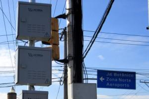 Equipamentos foram colocados em oito importantes cruzamentos Foto: Divulgação/PMPA