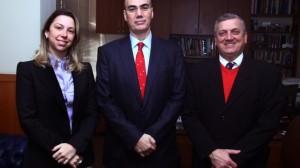 Júlia Costa (diretora do Cais Mauá Brasil S/A), Luiz Eduardo Franco de Abreu (presidente da Positiva CCTVM) e Ademir Schneider (presidente do Conselho do Cais Mauá Brasil S/A) (Foto: Jackson Ciceri/O Sul)