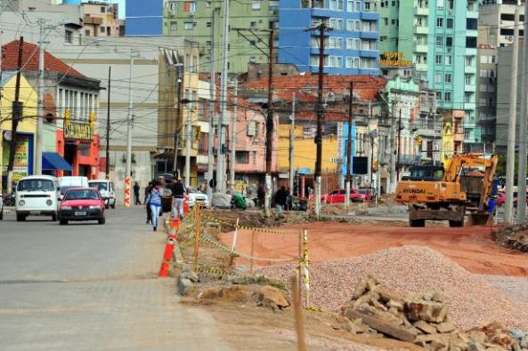 Trabalhos na via estão concentrados na colocação do pavimento | Foto: Samuel Maciel