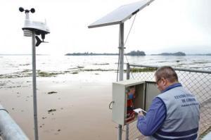 Medição das 17h30 desta sexta-feira, 17, aponta nível do lago em 2,15m no cais Foto: Joel Vargas/PMPA