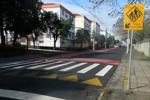 Faixa exclusiva visa mais segurança para pedestres e ciclistas.  Foto: Cinthya Py/Divulgação PMPA