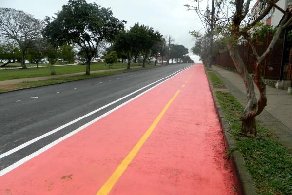 Nova ciclovia fica na rua Silvio Delmar Hollembach, Jardim Leopoldina Foto: Cinthya Py/Divulgação PMPA