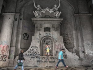 Ideia da prefeitura é pintar o viaduto com tinta anti-pichação | Foto: Guilherme Santos/Sul21