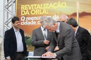Contrato para primeira etapa da revitalização foi assinado nesta manhã | Foto: Luciano Lanes / PMPA / Divulgação / CP