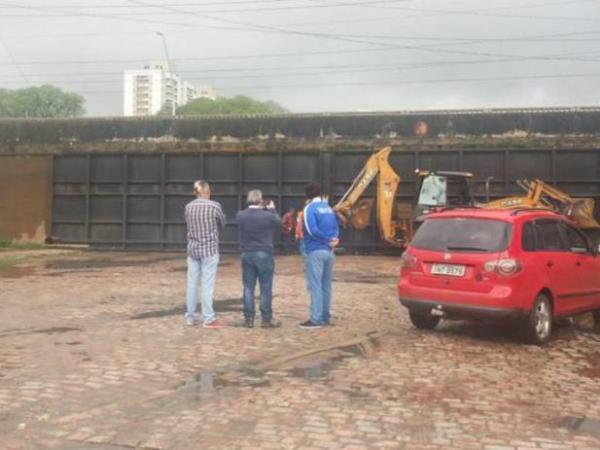Comporta da Avenida São Pedro é fechada | Foto: Mauren Xavier / Especial / CP