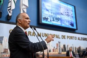 Piqué fez ligações entre as propostas espanhola e de Porto AlegreFoto: Ederson Nunes