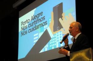 Fortunati relatou ações da Capital para buscar uma cidade mais inovadora Foto: Breno Pataro/FNP/Divulgação PMPA