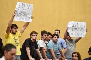Manifestantes pró-Uber nas galerias. Foto: Ederson Nunes