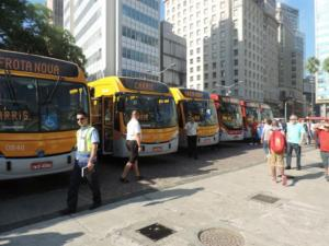 Novos ônibus entram em operação na segunda-feira | Foto: Luiz Felipe Mello / Especial / CP