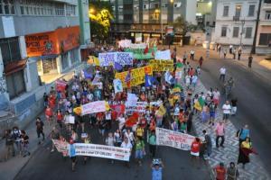 Protesto percorreu ruas do Centro e da Cidade Baixa   Foto: Fabiano do Amaral