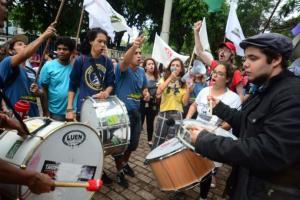 Protesto teve confusão no lado de fora da reunião do Conselho Municipal de Transportes Urbanos | Foto: Guilherme Testa