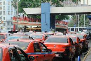 Mais de 100 taxistas já tiveram a habilitação cassada em 2016 na Capital | Foto: Vinicius Roratto / CP Memória