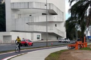 Passeio para pedestres foi construído ao longo do trecho para qualificar a área Foto: Carlos Rohde / Divulgação PMPA