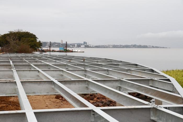 Projeto prevê a instalação de quatro deques sobre as águas do Guaíba Foto: Betina Carcuchinski/PMPA