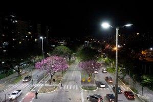 Nova iluminação de LED da av. Érico Veríssimo Foto: Ivo Gonçalves/PMPA