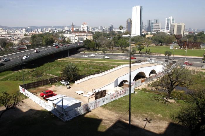 Obras na Ponte de Pedra estão em fase final de conclusão Foto: Brayan Martins/ PMPA