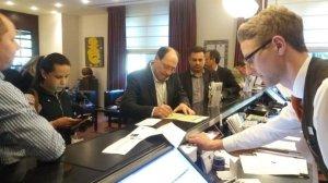 Sartori vai buscar investimentos para o RS em missão na Europa | Foto: Gabriel Jacobsen / Rádio Guaíba / Especial / CP