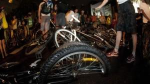 Grupo de ciclistas foi atropelado em 2011, no bairro Cidade Baixa. (foto: Ramiro Furquim/Agência Freelancer)