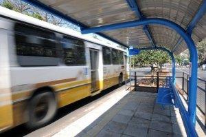 Empresas de ônibus afirmam que tiveram prejuízo de R$ 100 milhões em Porto Alegre | Foto: André Ávila / Especial / CP Memória