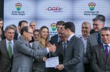 Porto Alegre, RS - 05/12/2017 Ato de assinatura e entrega de licença de instalação do projeto de revitalização do Cais Mauá ao empreendedor Cais Mauá do Brasil S.A. Local: Cais Mauá Foto: Joel Vargas/PMPA