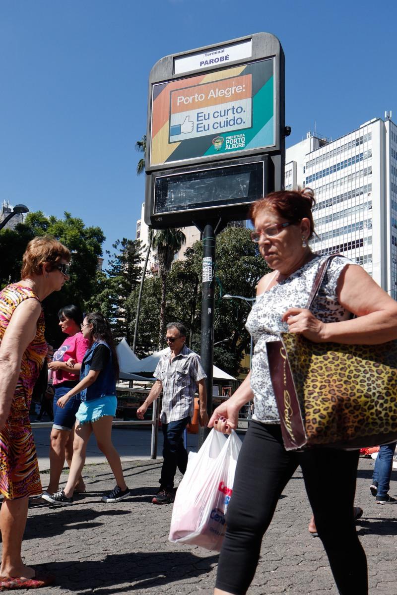 Aberta consulta pública sobre relógios eletrônicos digitais de Porto Alegre