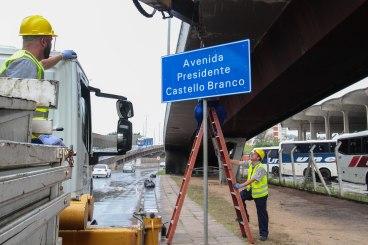 EPTC - Novas Placas da Avenida Castelo Branca