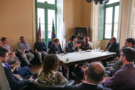 GVP - Representantes da Colombia e da Bolívia, do Banco de Desa