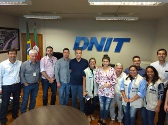 Entrega Chave 25022019 - DNIT com fam beneficiada e Equipe do Consórcio Construtor da Ponte
